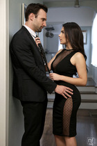 honey_im_home_with_valentina_nappi_015.jpg
