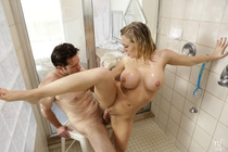 wet_and_busty_with_kagney_linn_karter_069.jpg