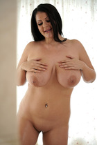 oiled_up_with_anissa_jolie_016.jpg